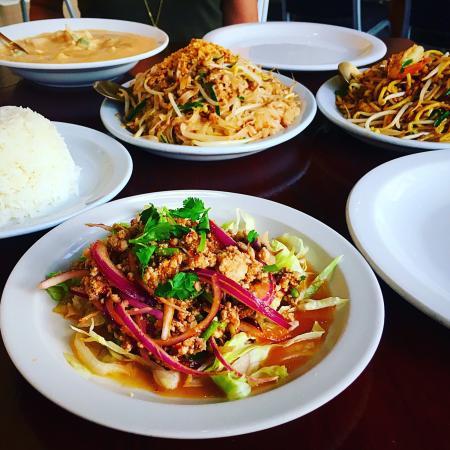 Thai Orchid Restaurant: photo0.jpg