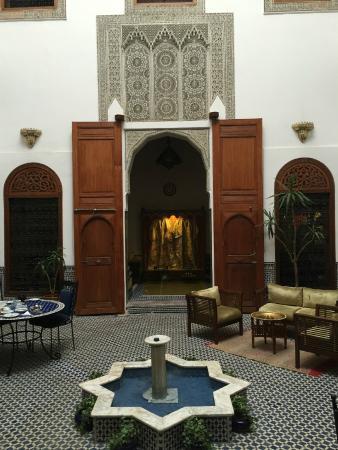 Riad Zamane: холл