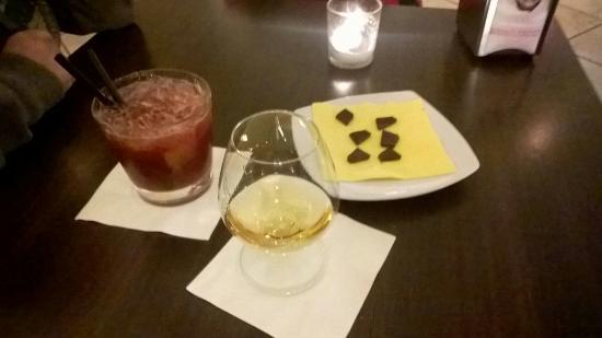 Caffe degli Artisti : Rum pappagali fuji e cocktail