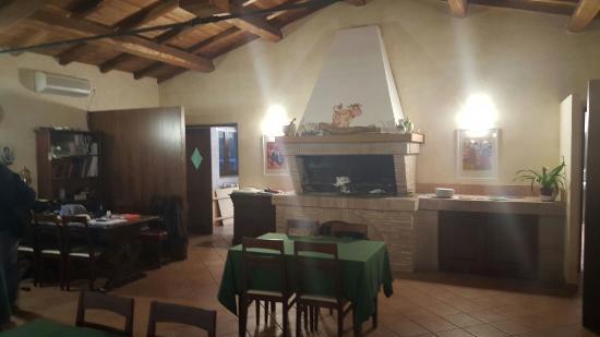 Monte dell'Olmo: interno ristorante