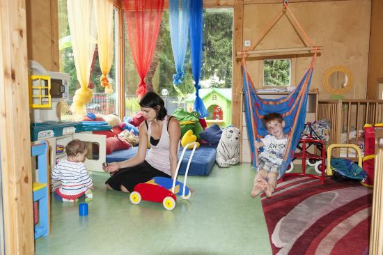 Familienhotel Post: Babypavillon und Krabbelraum