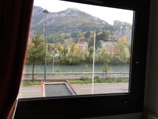 Ibis Styles Grenoble Centre Gare : photo0.jpg