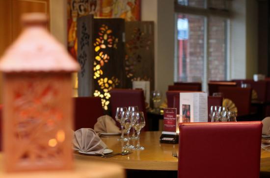 Padma Lounge Bar & Restaurant: Restaurant