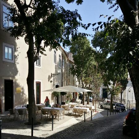 Santiago de alfama hotel in lisbon picture of santiago for Boutique hotels lisbon