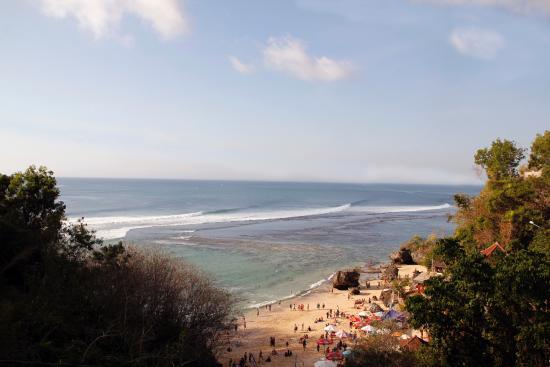 Kamafari Surfcamp: Padang Padang