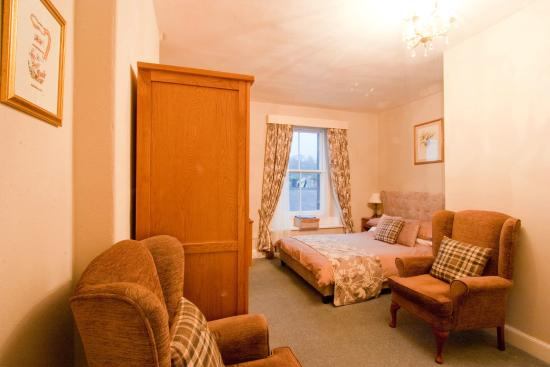 The Queens Head: Double/Family room  annexe with bunk beds room 14 2nd Floor