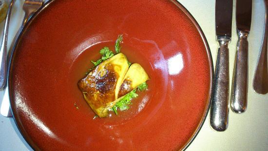 Varetz, France : foie gras poêlé, un délice