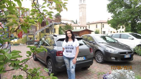Al Giardino: парковка