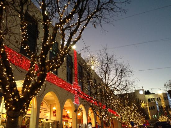 The Square : All the rits and glits of christmas - REALY??