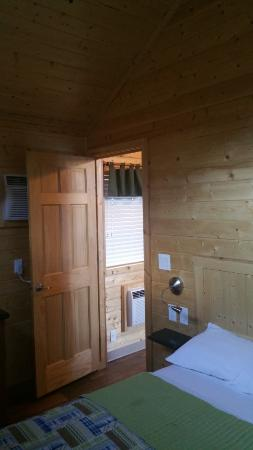 Snake River Park KOA and Cabin Village: bedroom