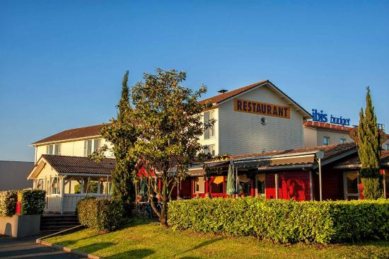 Hotel ibis budget m con sud france voir les tarifs for Hotel design sud france
