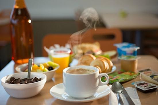 Petit dejeuner foto van hotel ibis budget macon sud for Hotel petit budget