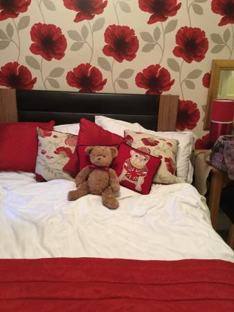 Montfort Cottage Guest House: Very comfortable bed