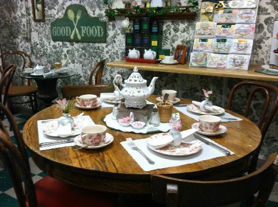 La Petite Tea Room Williasmburg