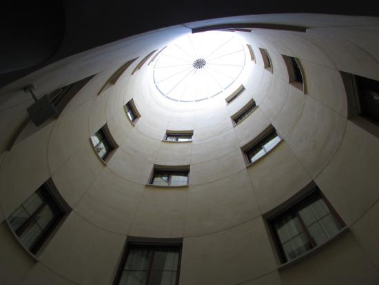 Los Girasoles I Hotel: Cavedio centrale di affaccio di alcune camere