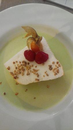 Le Presse Purée : Ile flottante et sa crème anglaise à la pistache