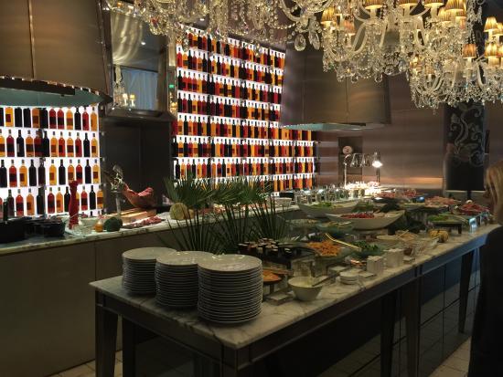 Picture of la cuisine le royal monceau for Restaurant la cuisine royal monceau