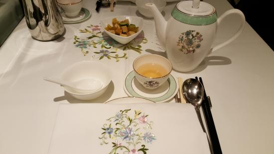 Jasmine Place Chinese Style Table Setting & Chinese Style Table Setting - Picture of Jasmine Place Hong Kong ...