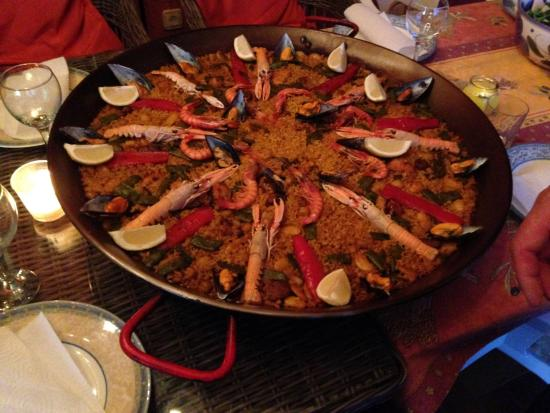 Restaurante Montgo: Our take-out paella for 12 :-)
