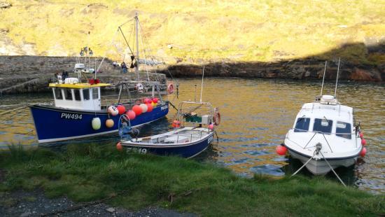 Boscastle, UK: Boats moored