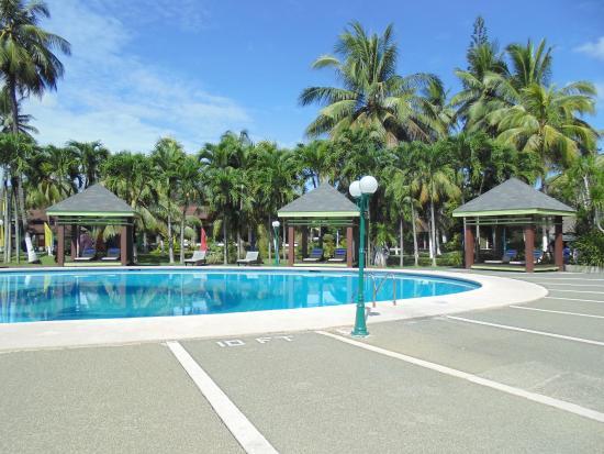 Waterfront Insular Hotel Davao Zwembad