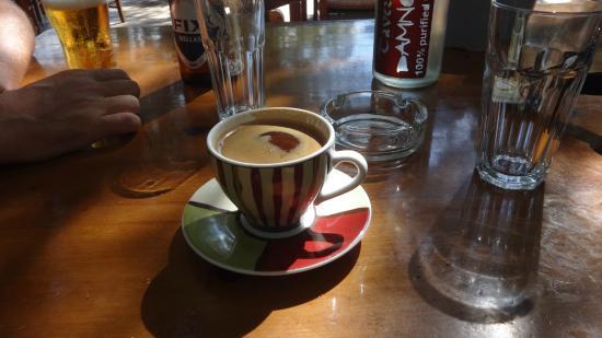Damnoni Taverna : Griechischer Kaffee in schöner Tasse ...