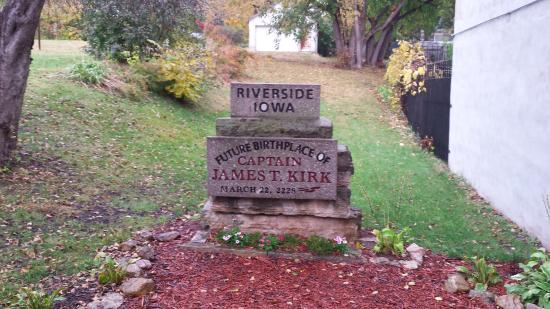 Riverside, IA: Kirk Birthplace Marker