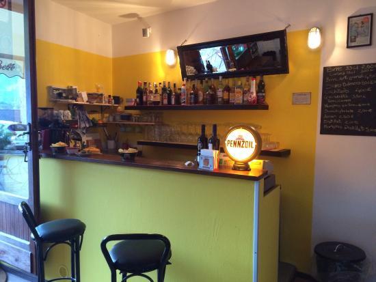 Memphis Belle Bar