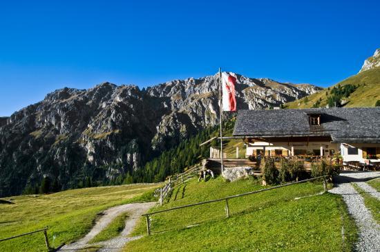 Berggasthaus Gampenalm