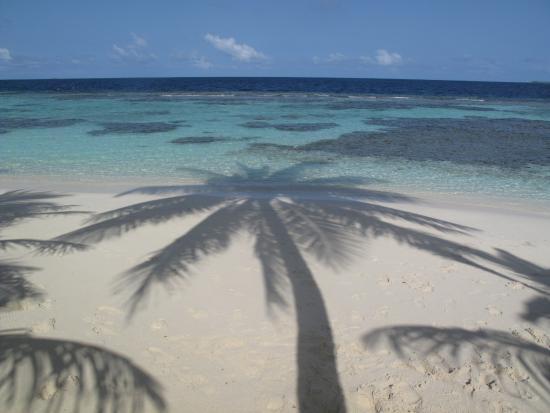Bandos: Spiaggia bianca e acqua cristallina