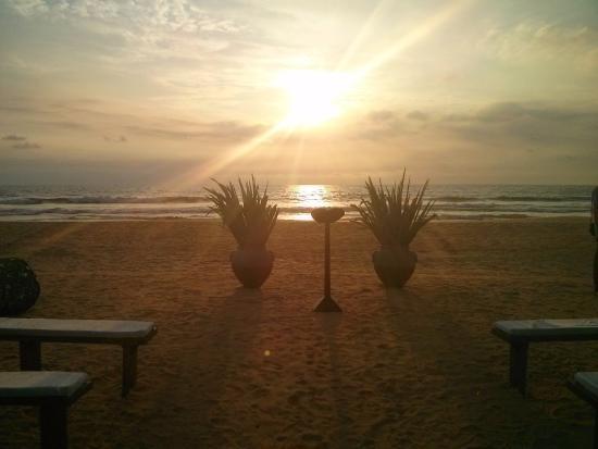 Bentota, Sri Lanka: Wedding on the beach