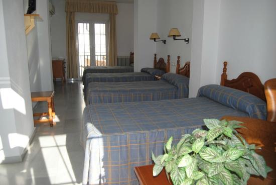 Hotel Mirasol: Habitación cuádruple