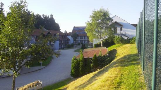 Sonnen, Alemania: Innenhof und Blick a.den oberen Block