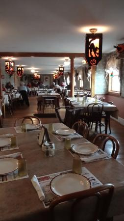 Gloversville, Νέα Υόρκη: The Dining Room Decorated for Halloween