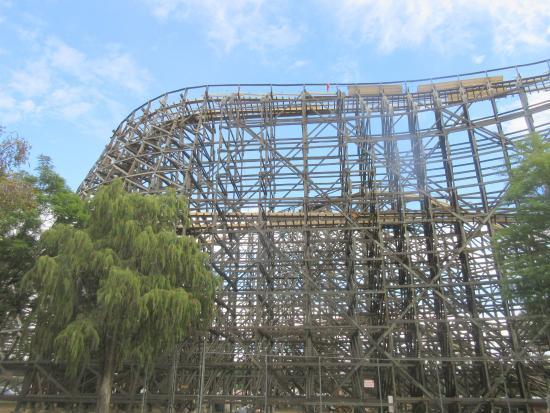 Knott's Berry Farm: Wooden Roller Coaster Knotts Berry Farm, Buena Park, Ca
