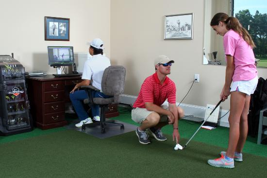 Conway, SC: Indoor lesson with swing analyzing video system
