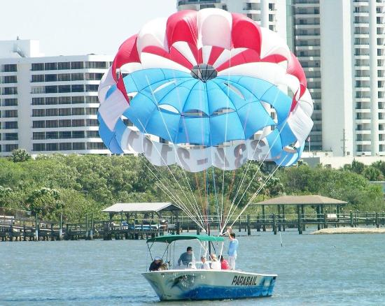 Port Orange, FL: Skyline Parasail boat