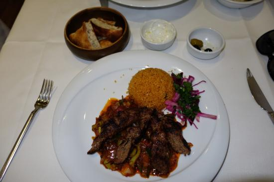 Tas Borough High Street: Carneiro com couscous