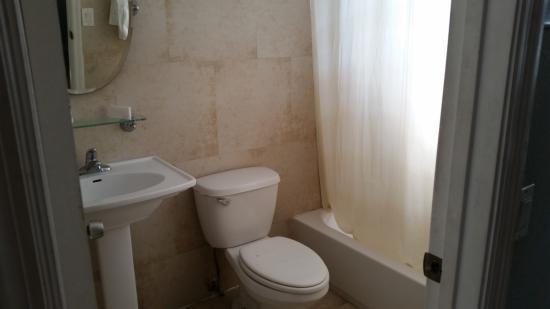 Motel Blu: Banheiro