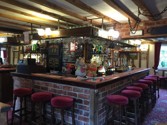 Abington Pigotts, UK: Lovely Bars - So Homely