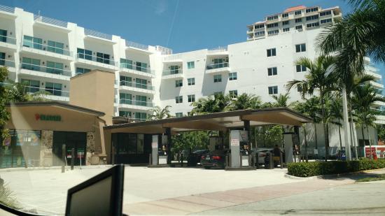 AAE Miami Beach Lombardy Hotel: 7eleven próximo ao hotel