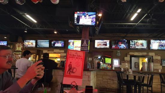 Salty Dog Sports Bar & Grill 이미지