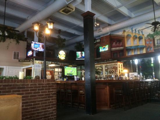 P J's Cafe: Spinach florentine Benedict