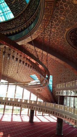 Аргун, Россия: внутри мечети