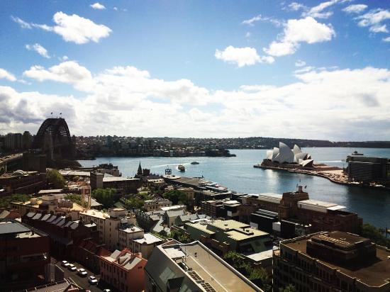 Shangrila Sydney Room Service