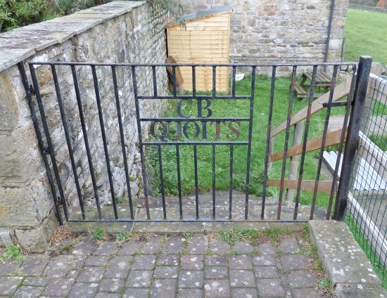 Arkengarthdale, UK: Entrance to the Quoits Greens