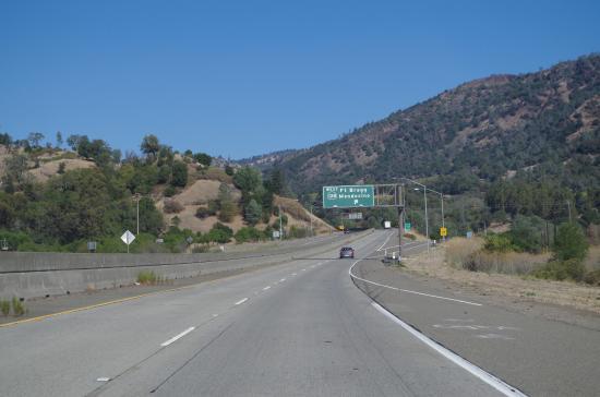 Philo, Калифорния: it begins here (from U.S. 101 north)