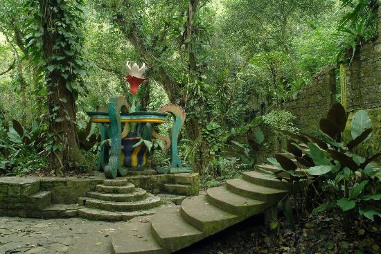 Jard n escult rico de edward james xilitla picture of for Jardin surrealista xilitla