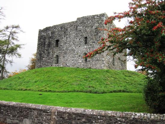 Lydford Castle & Saxon Town