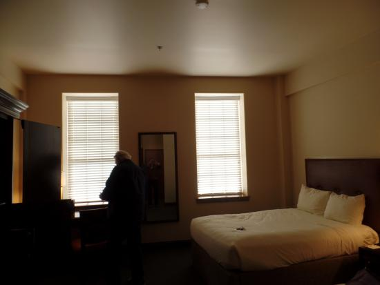 Cork Factory Hotel: Room